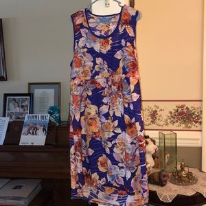 Gorgeous Simply Vera by Vera Wang floral dress